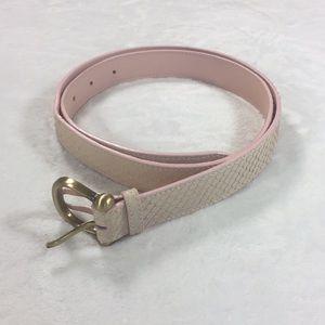 Accessories - Cute feminine pink belt